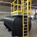 Kunststof Tankbouw compleet met aansluitingen, loopbordessen, ladders etc.